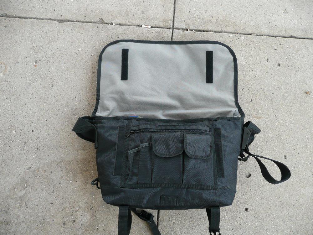 click on any image Banjo Brothers 2008 Medium Messenger Bag ... 5aa1e602ec7aa